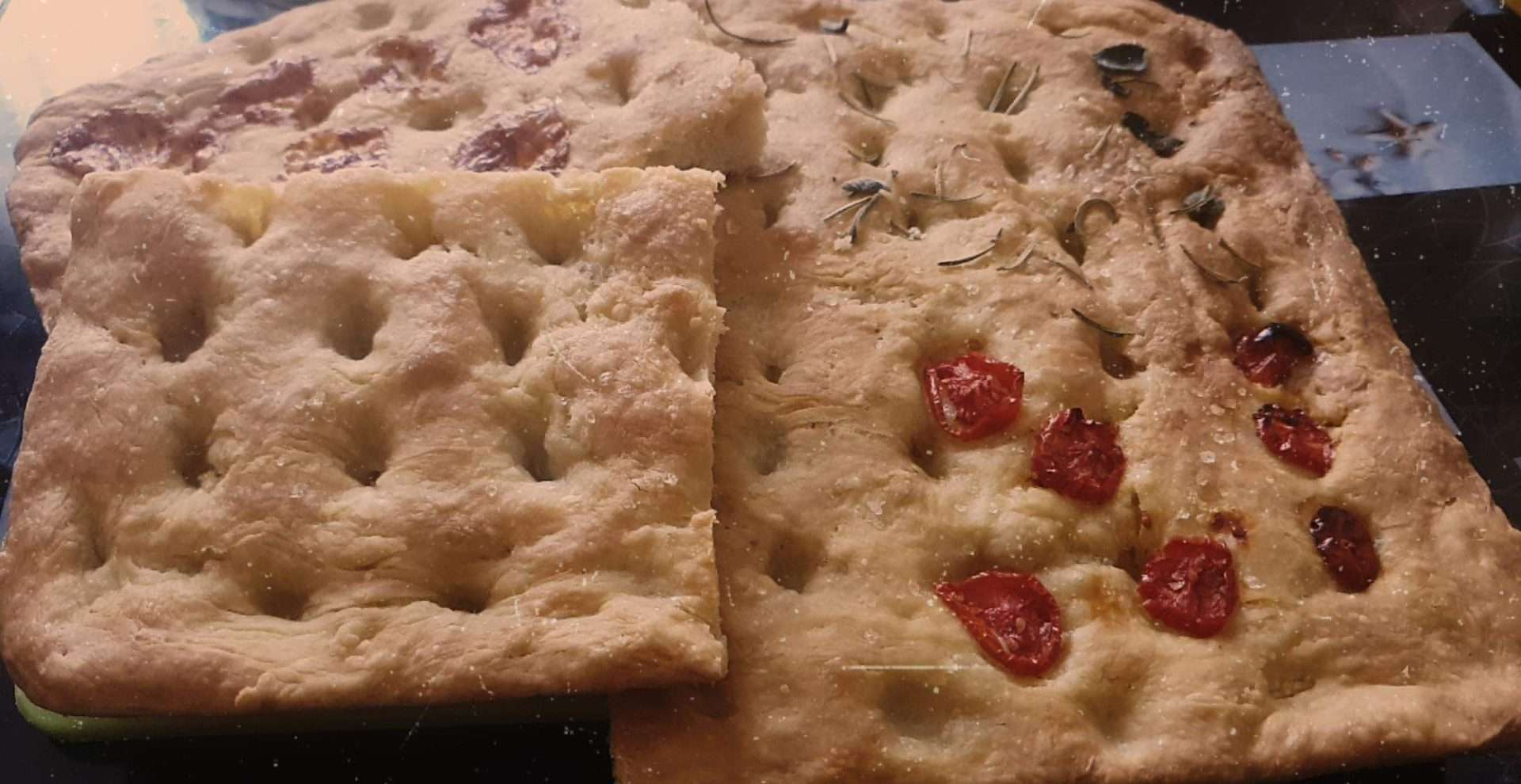 Homemade focaccia, good and fast